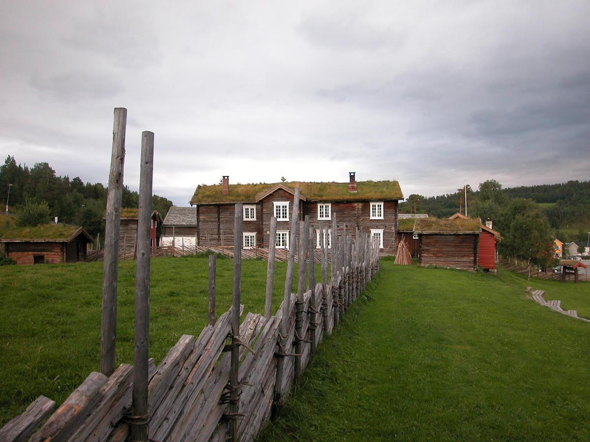 Dølmotunet bilde nordfra (Foto/Photo)