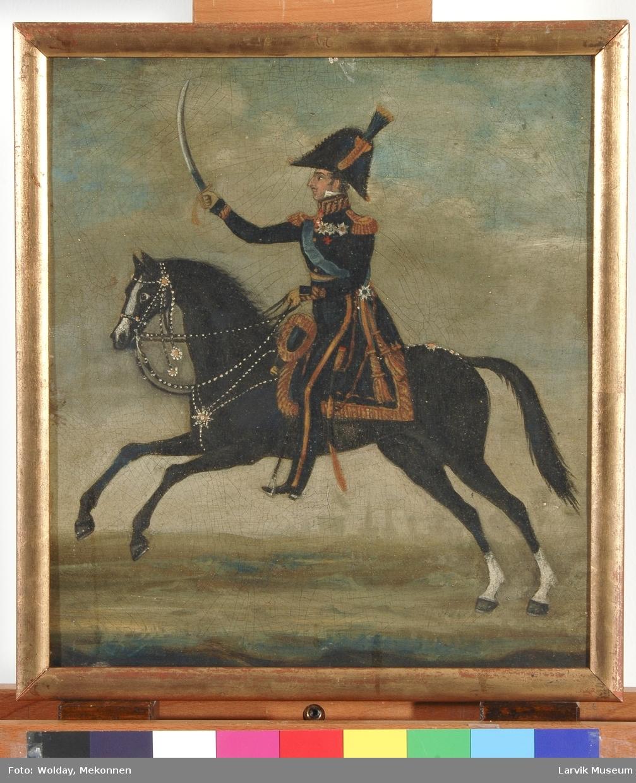 Portrett sortkledd konge i uniform på sort hest