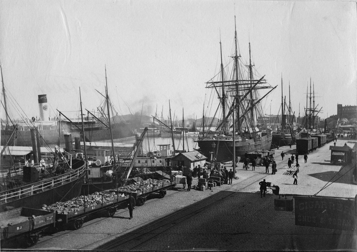 Skeppsbron i Göteborg 1897.