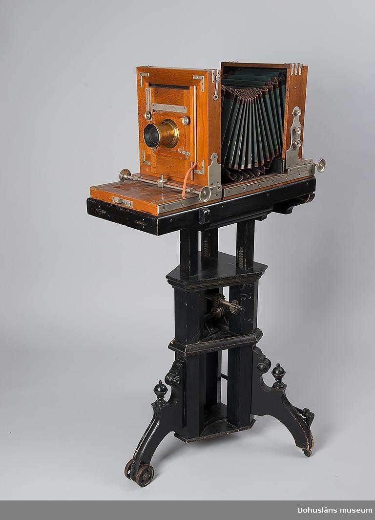 Ateljékamera med tillbehör katalogiserade under UM71.11.001:a - n.