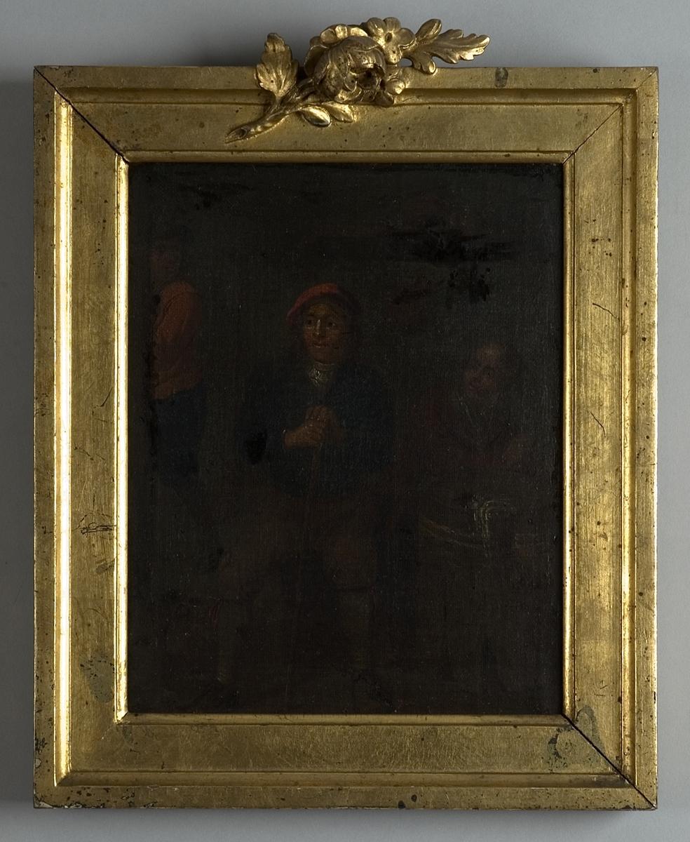 Interiör med tre personer. I mitten en sittande man i röd barett och knäbyxor, stödd på en käpp. Till höger om honom en kvinna vid ett stort laggkärl, till vänster en stående man i röd jacka. På golvet i förgrunden till vänster ett keramikkrus. Målningen mycket mörk.