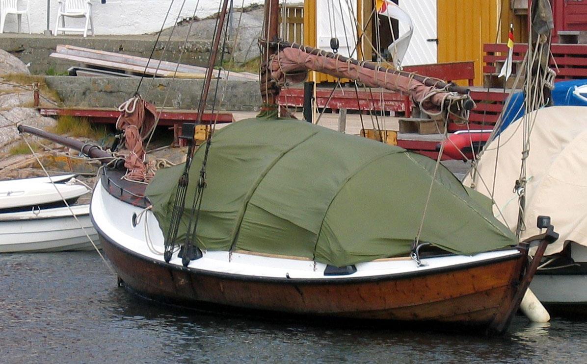 Med spesialsydd telt blir båten enda mer praktisk til turbruk. (Foto/Photo)