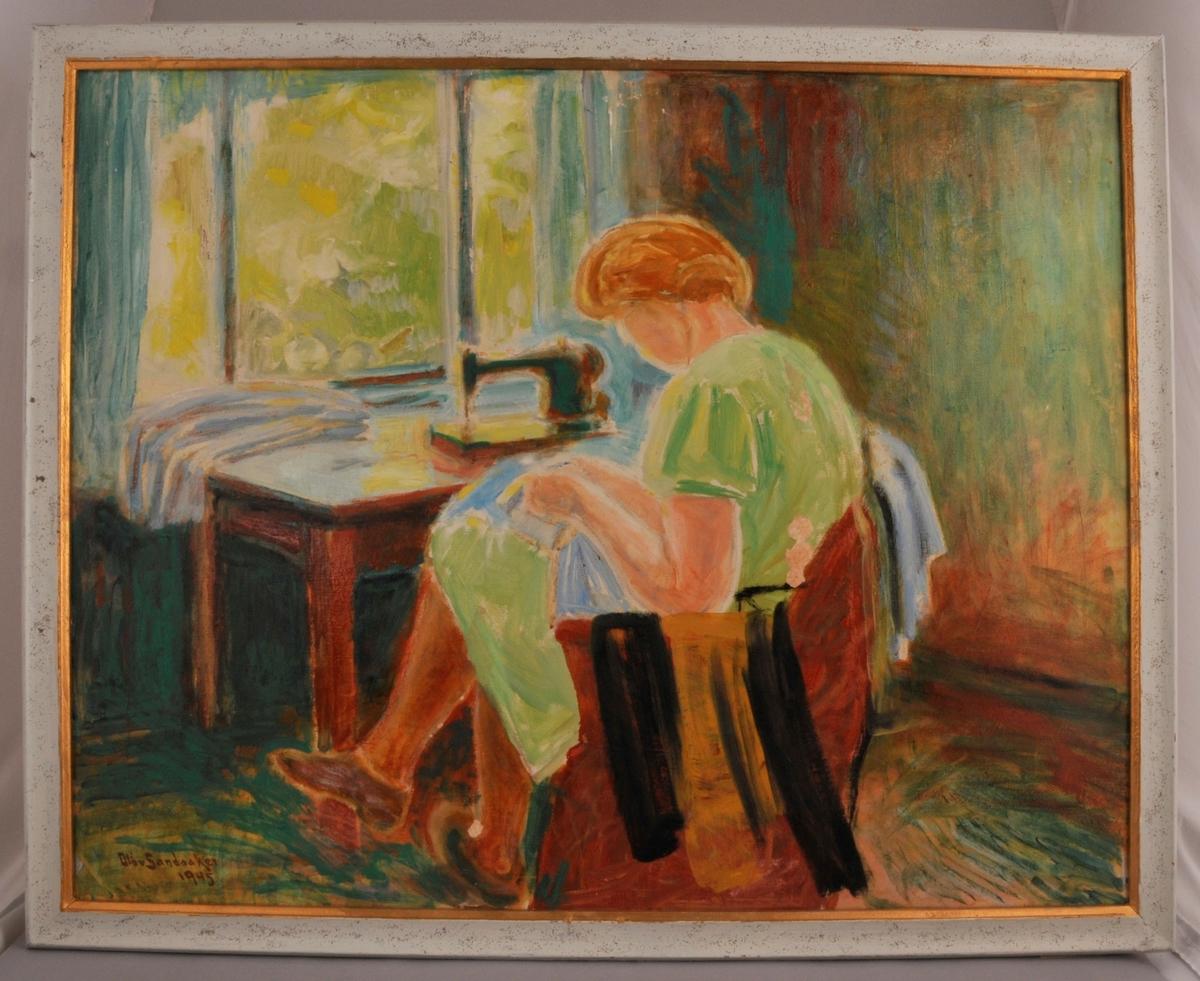 Modellen skal vere Agnes Aarstad, som tjente hos Olav Sandaaker om vinteren, ho satt da gjerne slik og sydde.