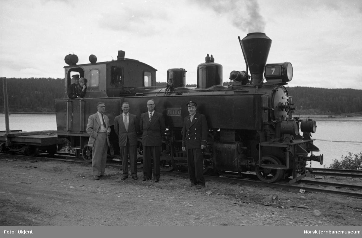 """Damplokomotiv nr. 7 """"Prydz"""" på Skulerud stasjon"""