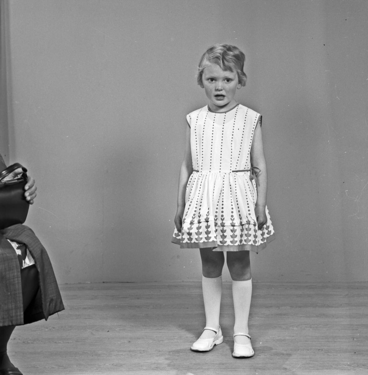 Portrett ung jente - bestiller Gunn Knutsen