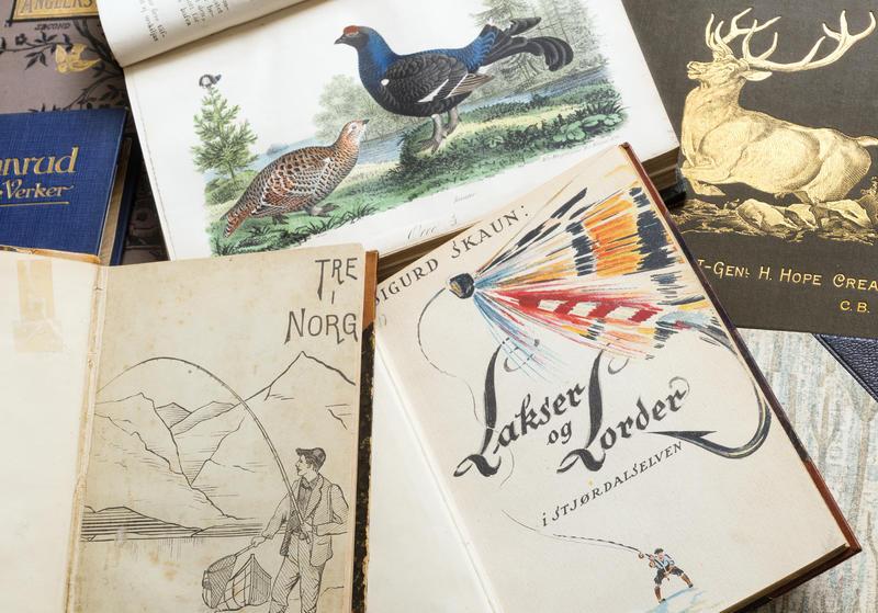 Bøker fra biblioteket på Norsk Skogmuseum. (Foto/Photo)