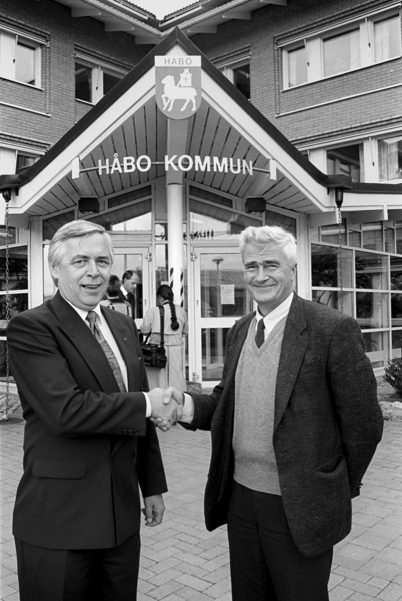 Håbo kommun tar över driften av vårdcentralen i Bålsta, Uppland 1992
