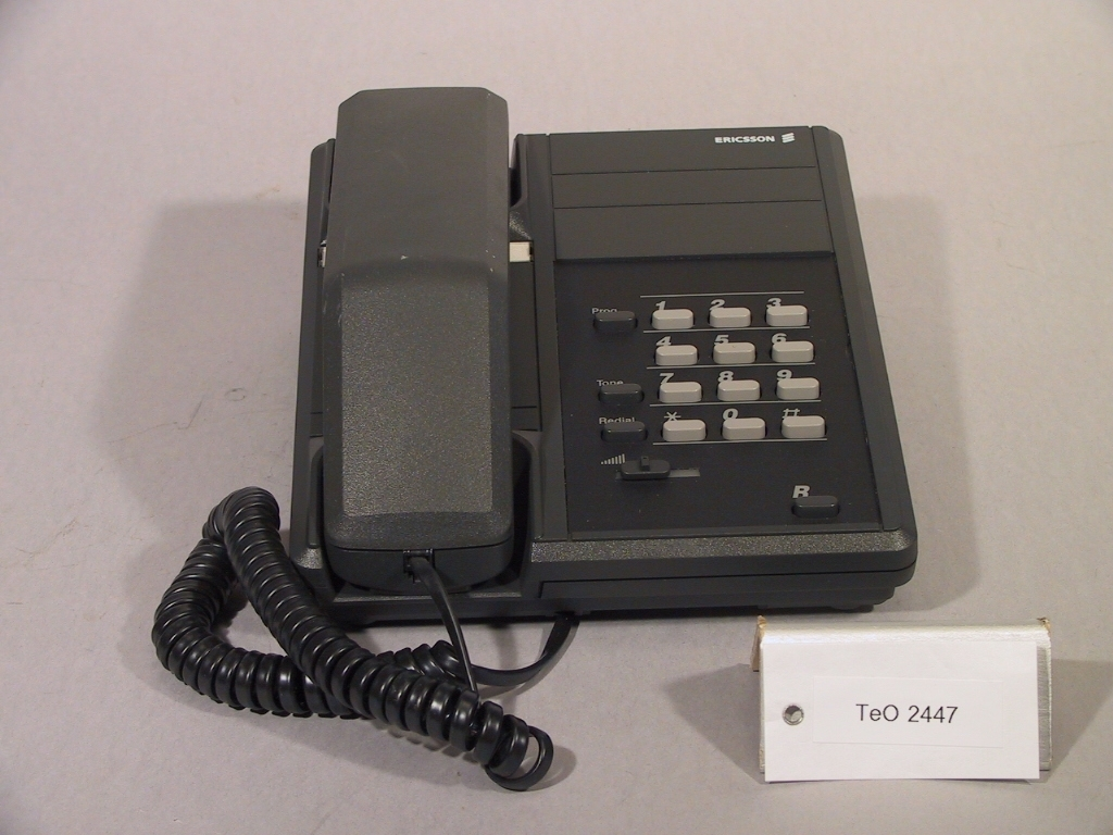 Telefonapparat tillv år 1988.