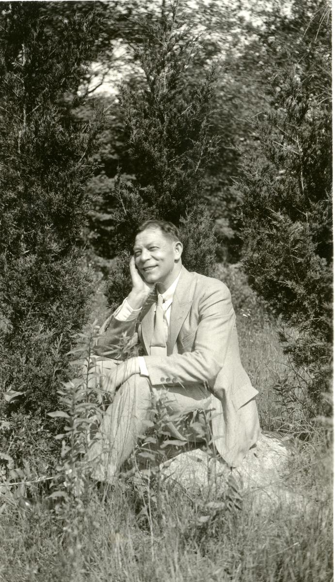 2 bilder tatt i USA i 1934 av ukjent mann. Sannsynlig i familie med Knatvold.