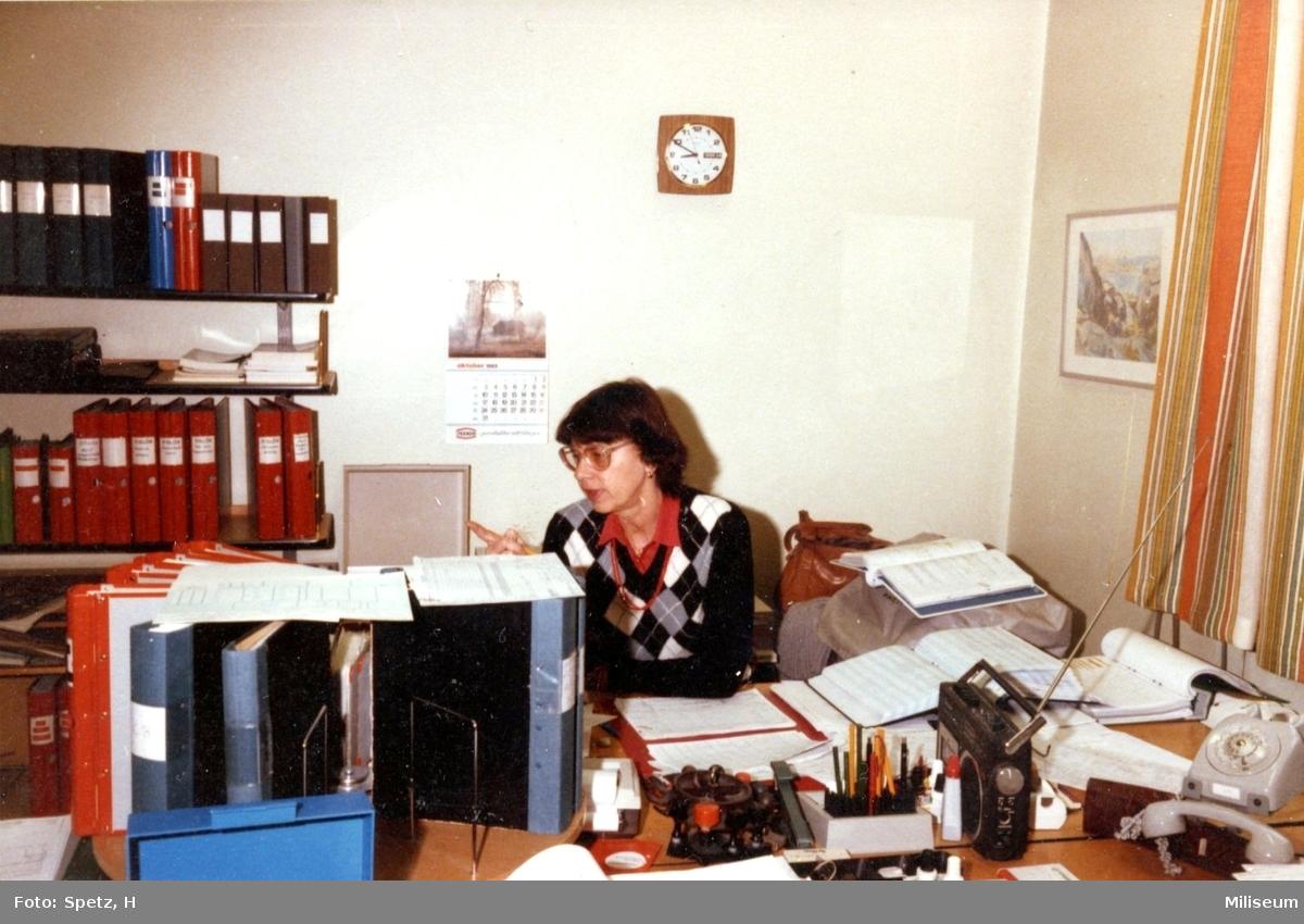 Hammarström, Ulla. Assistent, kameralenheten. A 6.