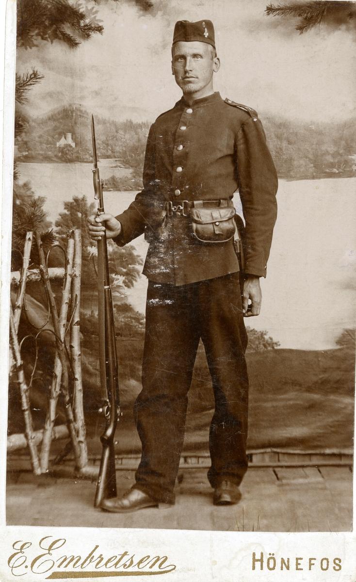 Portrett av Olaus Islandsmoen som rekrutt.