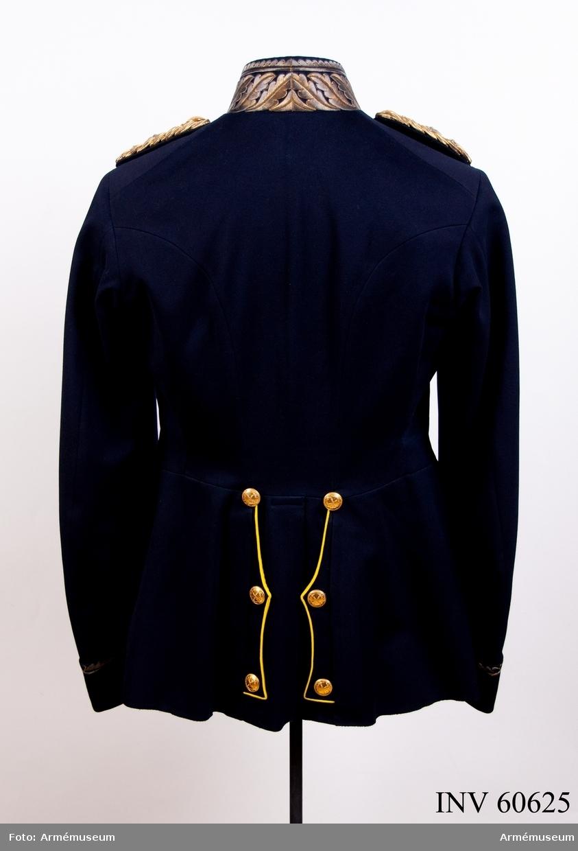 Grupp C I. Med axelklaffar m/1899 för generallöjtnant.