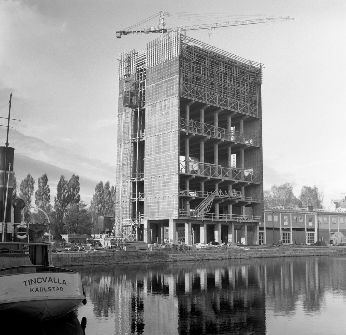 Bygget av kaffeskrapan hösten 1958.