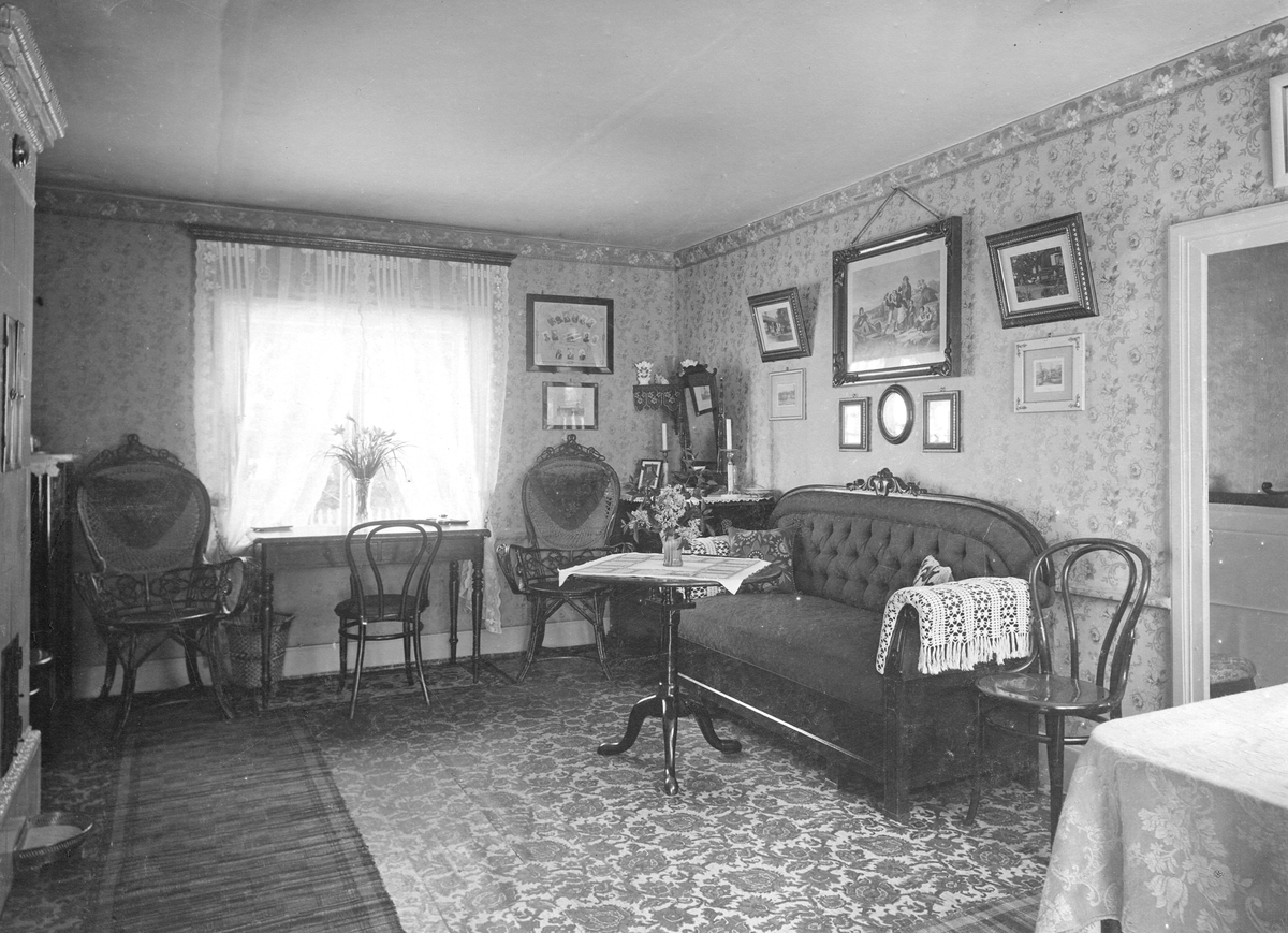 Salen hos P. A. Dandernells 1894