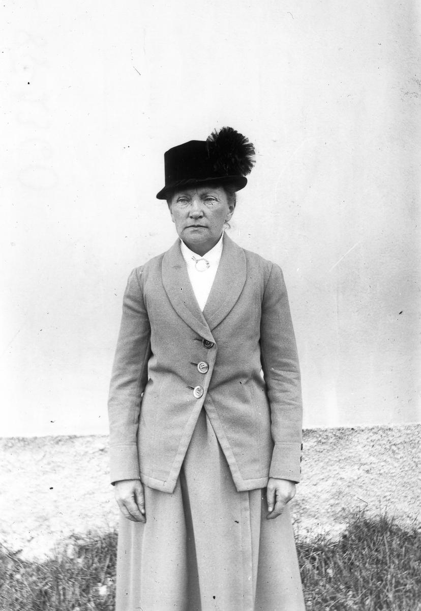 Kvinna i Lenninge.