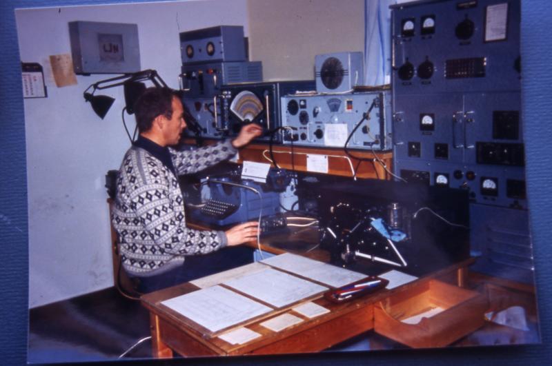 Radiostasjon. Ny-Ålesund ekspedisjonsplass (Foto/Photo)