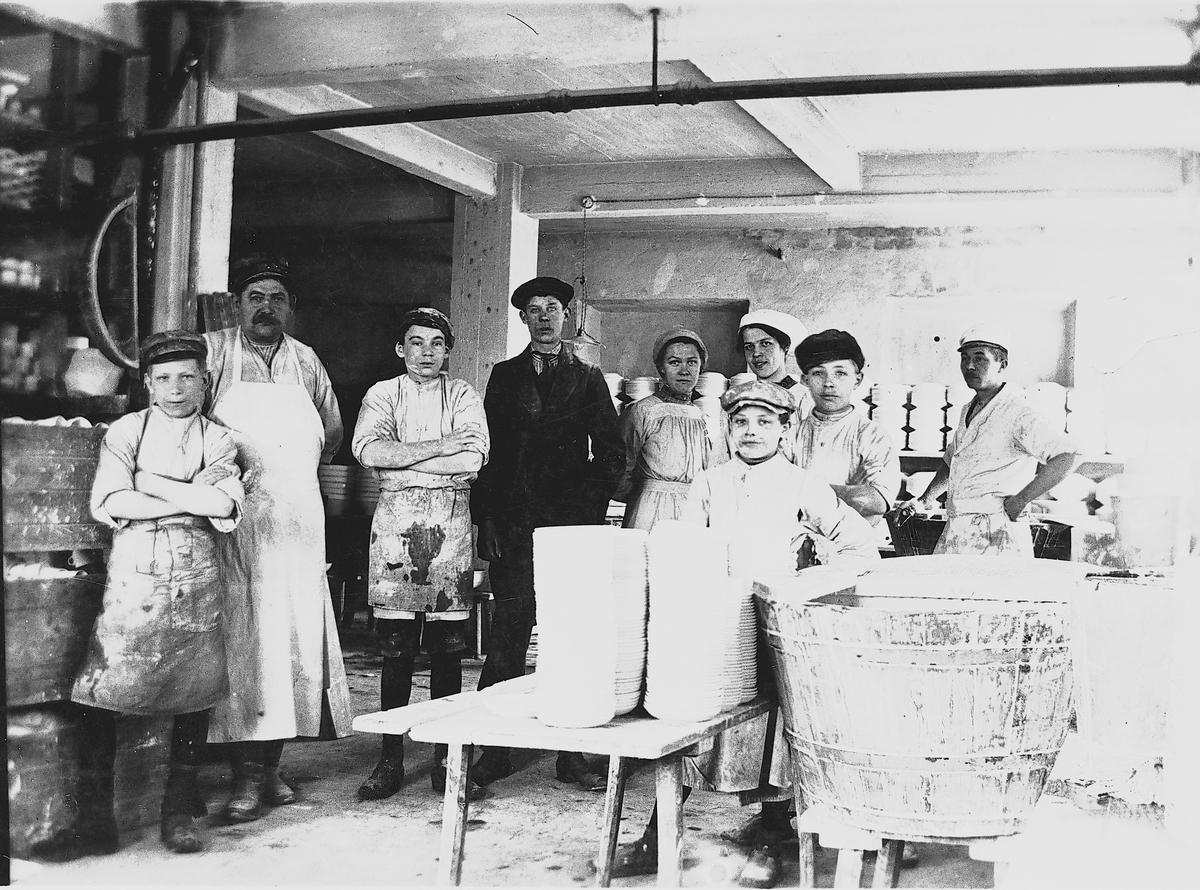 Personal vid Gefle Porslinsbruk.