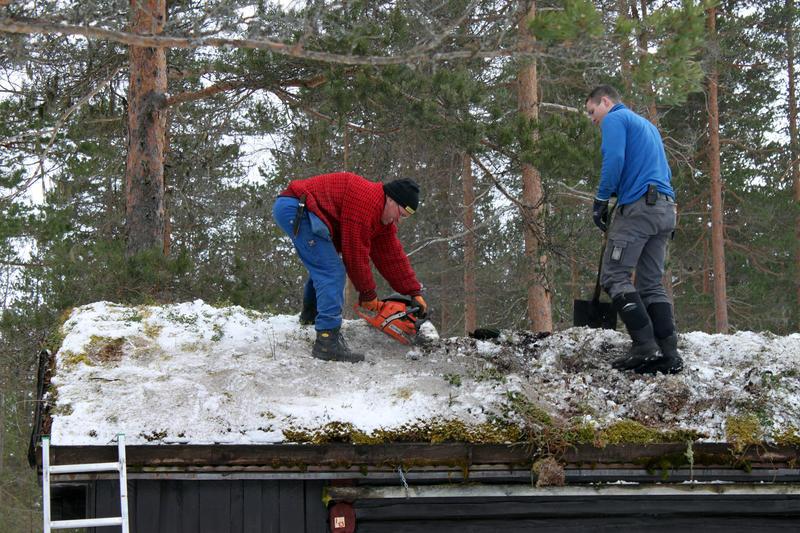 DNT Ringerikes hytte Hovinkoia i Holleia demonteres vinteren 2016.