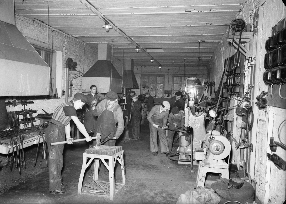 Verkstadsskolorna. Elevavslutning. Den 2 oktober 1941