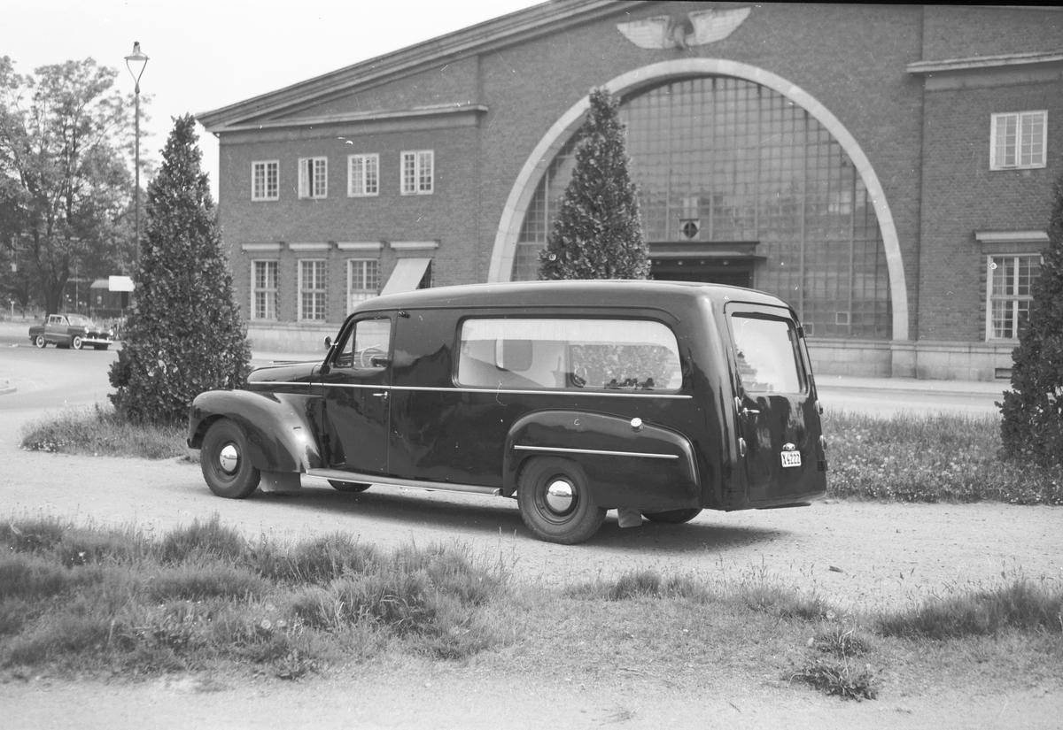 Valbo Verkstad. Begravningsbil, PV833/834: 1950-58, 2081 cars built, commercial chassis.