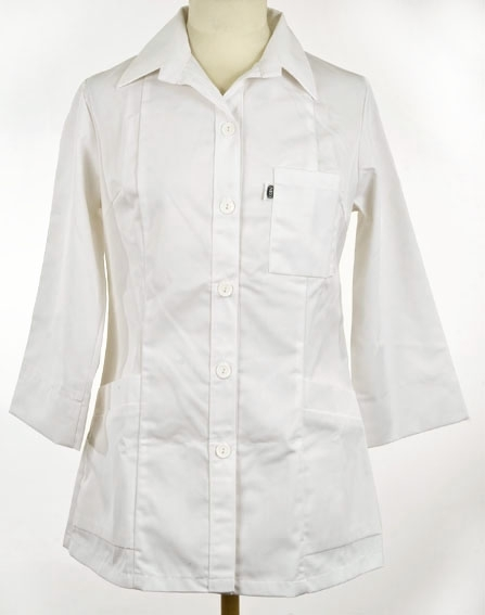 Skjorte med slag, 3 lommer, lange ermer, 3/4 lang. Neo yrkesklær. Sannsynligvis laboratoriefrakk.