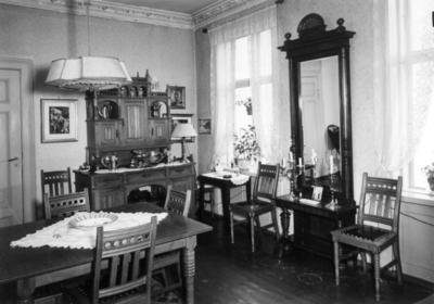 Spisestueinteriør fra Cort Adelersgt 17, Oslo, 1951