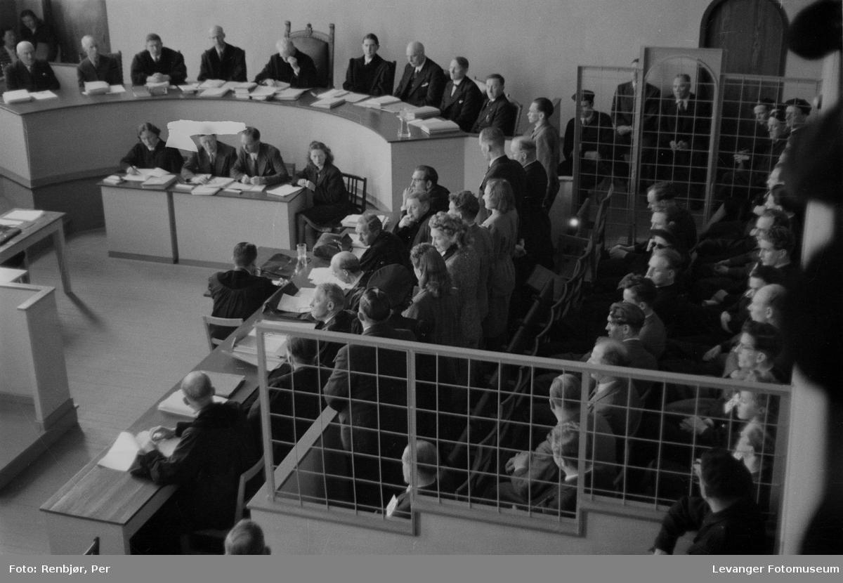 Rinnansaken, administatorer, dommere og de tiltalte.