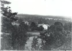 Tillhörde Falsterbo, förvaltades av någon av Tillbergs söner