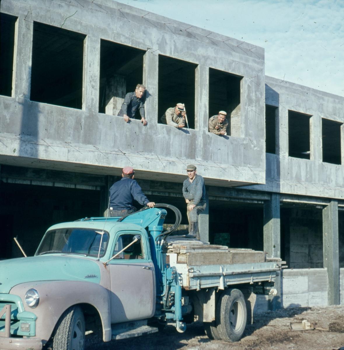 Bygging av Gamleveien 13 på Hauge i Dalane