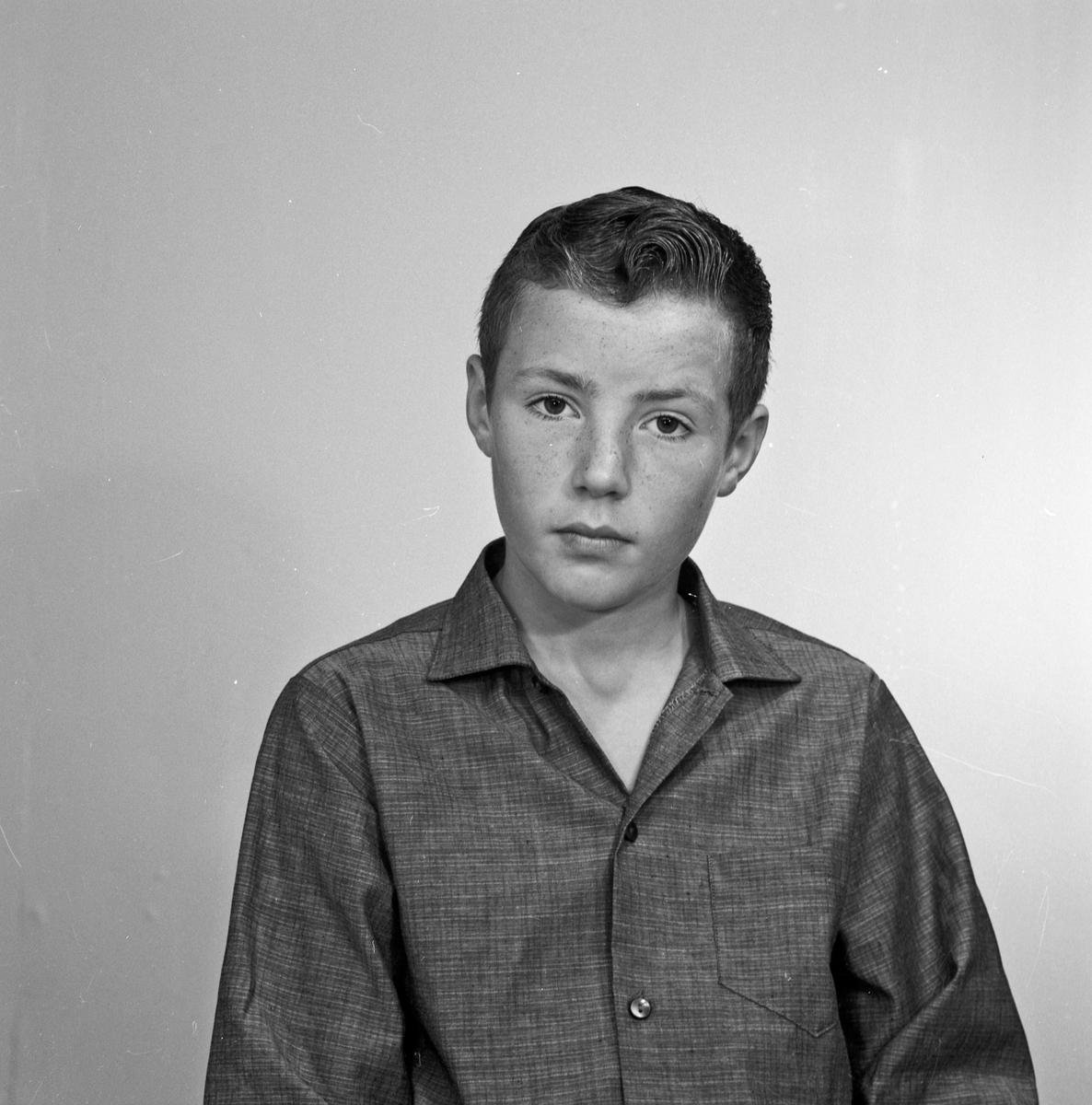 Portrett gutt og mann - bestiller Terje Iversen