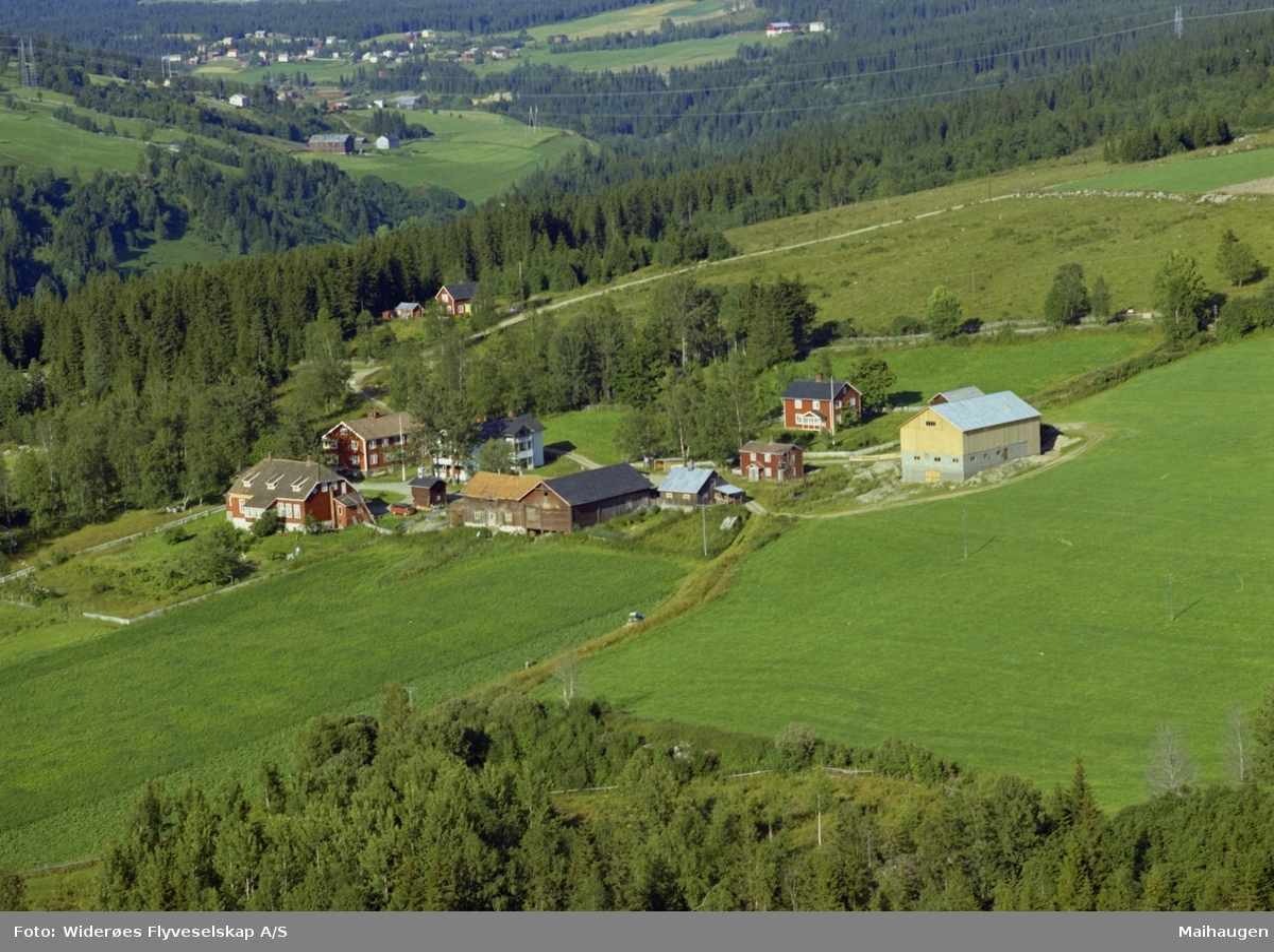 Bauker gård og pensjonat, oversiktsbilde av dalen, Øverbygda, Østre Gausdal