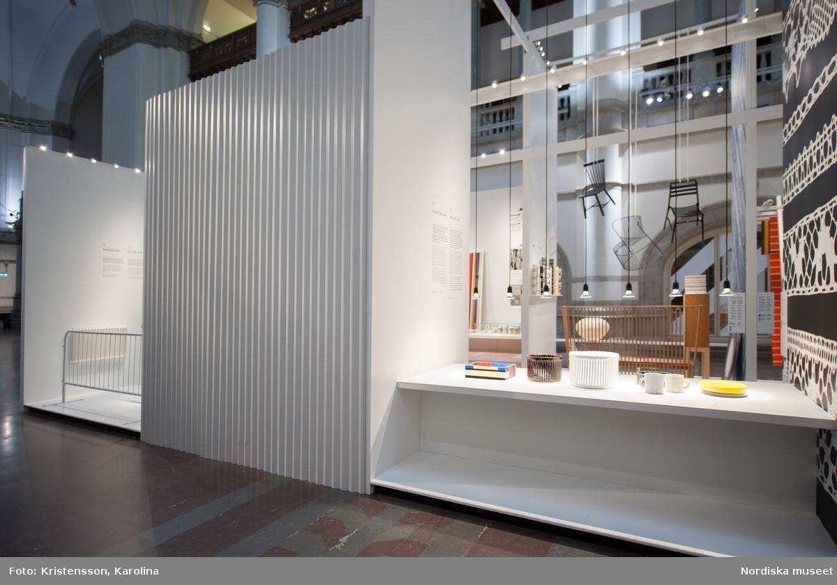 Ränder utställningsdokumentation, Stora hallen, mittens högra utsida. I dokumentationen ingår NMA.0063695-NMA.0063706