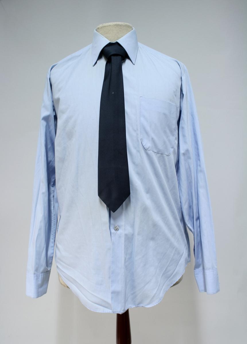 Uniformsskjorte for elev ved Politiskolen.