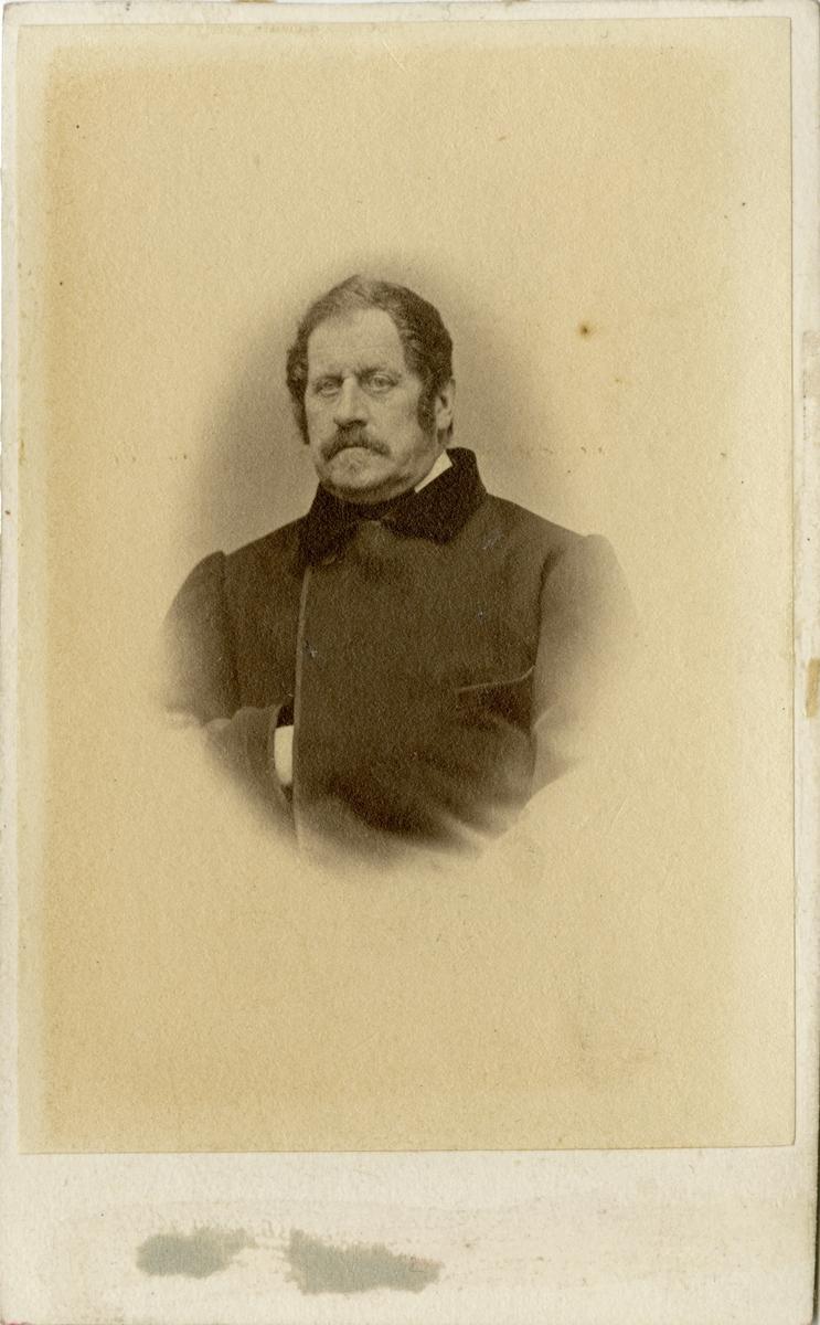 Porträtt av Otto Gustaf Wrangel, major vid Hälsinge regemente I 14. Se även AMA.0009312.