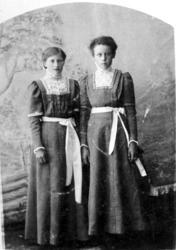To konfirmanter fra Stonglandseidet 1911 og 1912