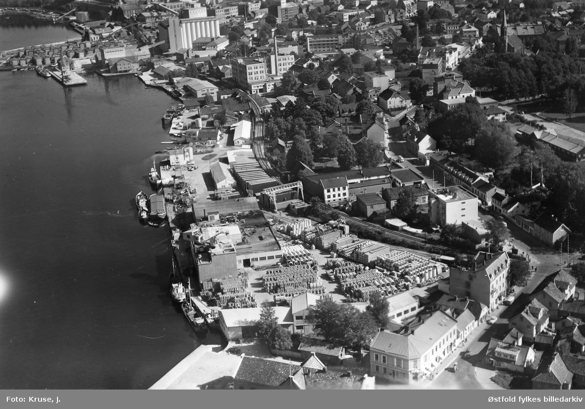 Havneområde i Moss, flyfoto 1958.