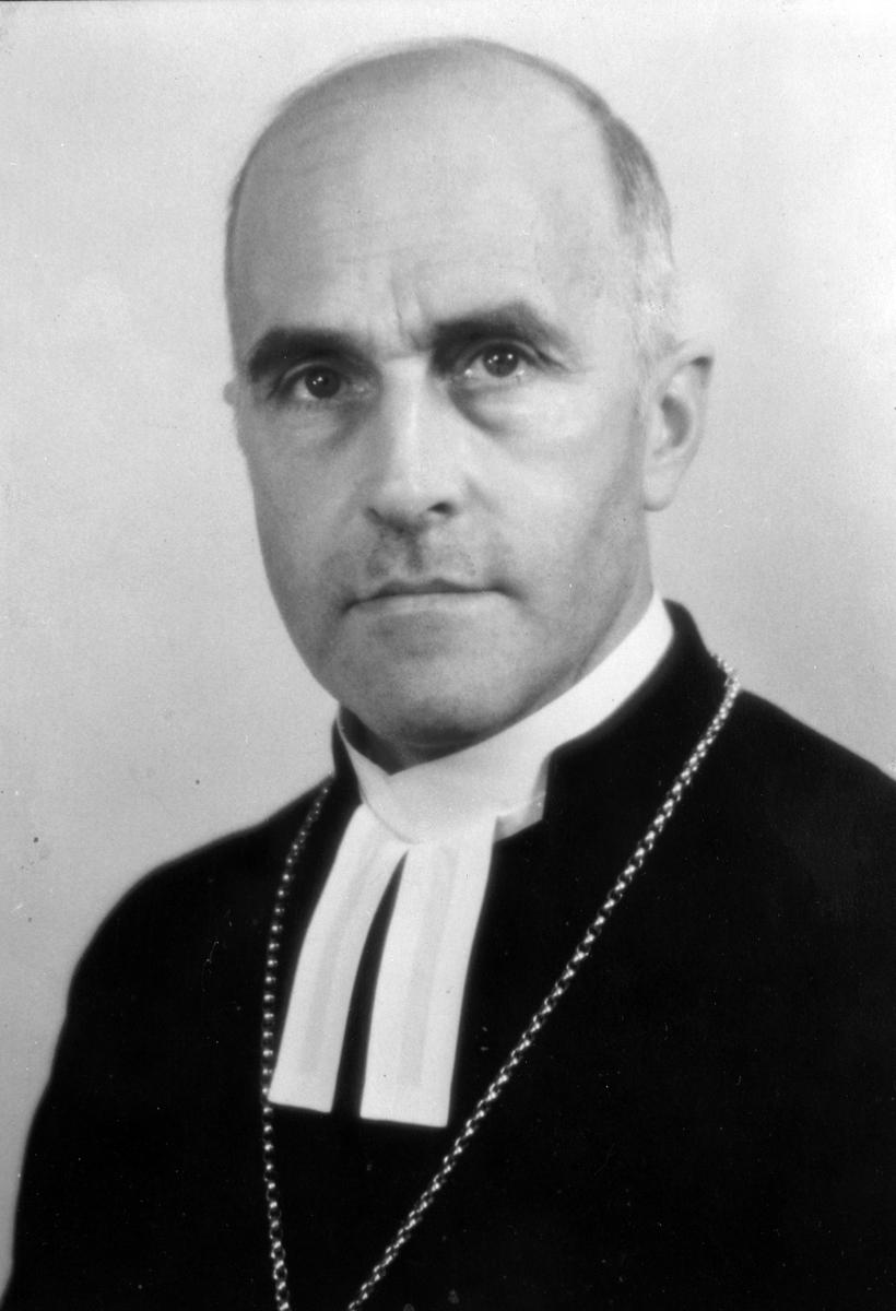 Kyrkoherde Andrén, Heliga Trefaldighet, Gävle. Den 8 april 1968