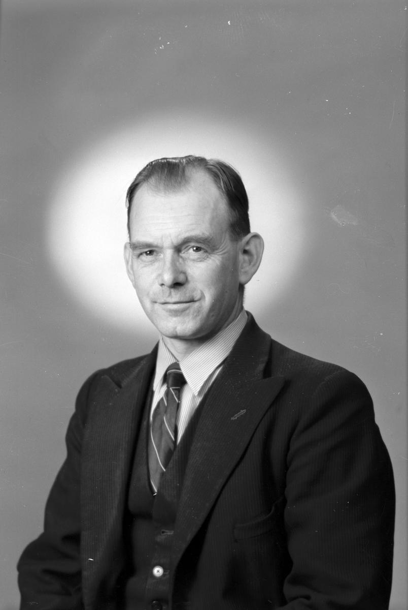 Verkmästare Sven Lundqvist, Gävle Dala Järnväg-Verkstad. 18 september 1945.