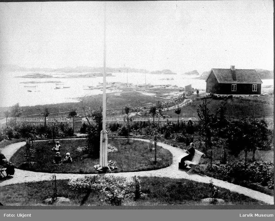 Sommervilla, hage, barn, Kaupang, Viksfjord