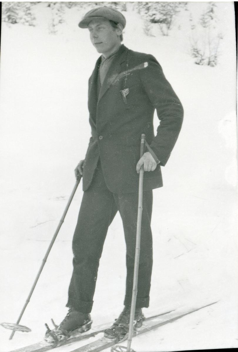Sigurd Dokken, tatt i 1920-åra.