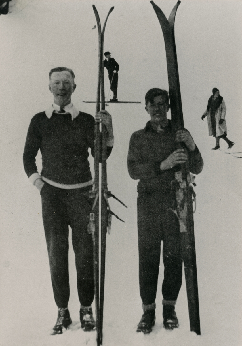 Kongsberg skiers Hans Beck and Birger Ruud