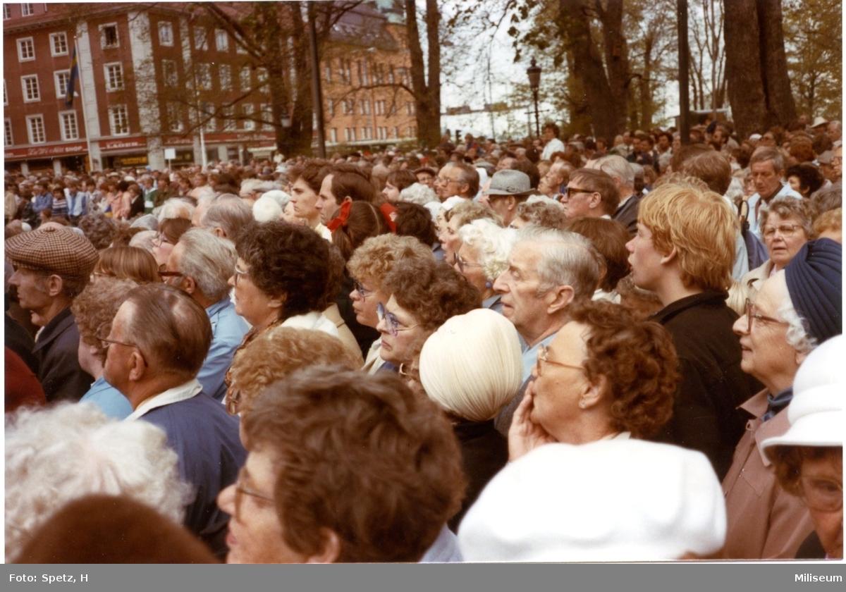 Jönköping 700 år. Publik i Rådhusparken.