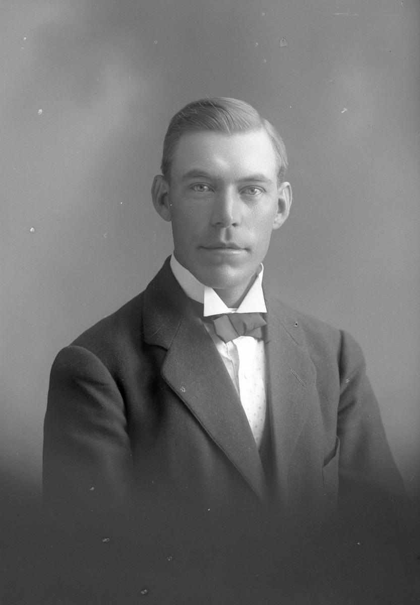 Arvid Olsson, Främlingshem