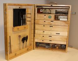 Kasse med lab. utstyr