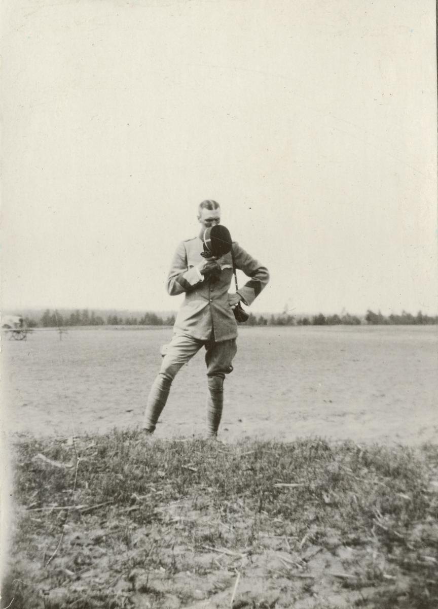 Porträtt av soldat vid officerskursen 1916-1917 på militärhögskolan  Karlberg.