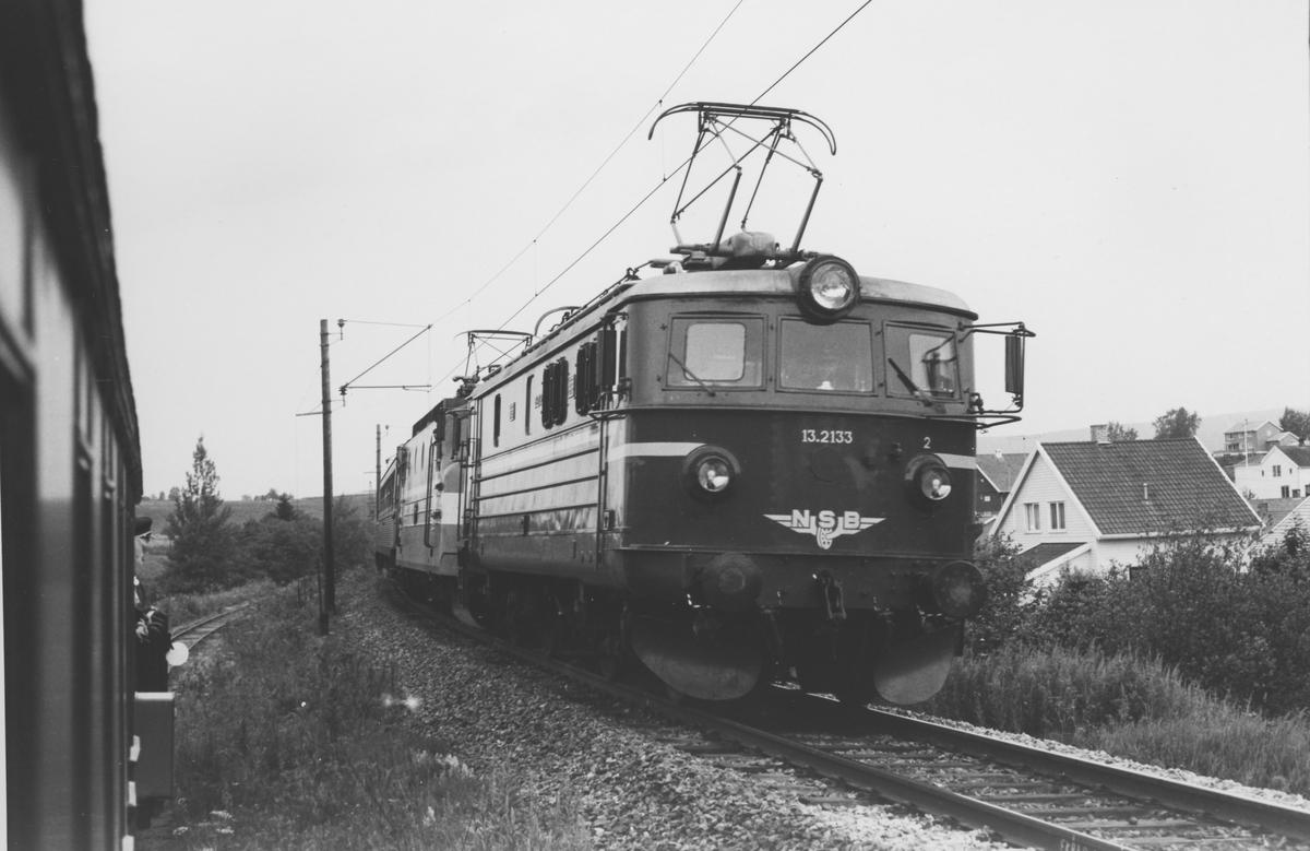 Ekspresstog til Stockholm og tog på museumsbanen Urskog-Hølandsbanen.