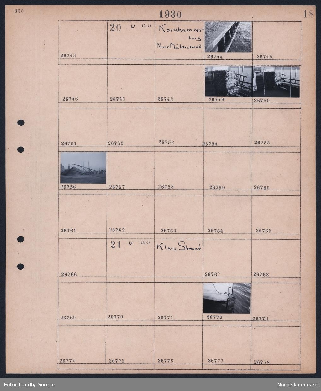 Motiv: Kornhamnstorg, Norr Mälarstrand; Närbild av kajkant, stapel av buntade av varor, transportband transporterar från lastbåt till en hög på kajen.  Motiv: Klara Strand; Närbild fören av fartyg.