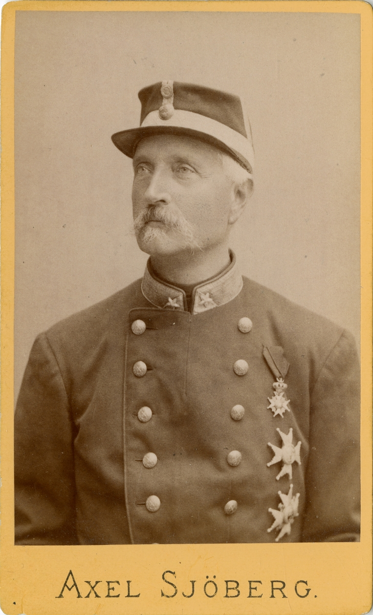 Porträtt av Malcolm Walter Hamilton, överste vid Västgöta regemente I 6. Se även bild AMA.0021912.