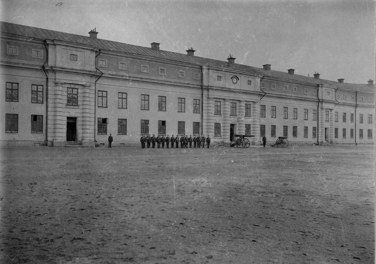 Vaxholms artillerikårs kaserner i Vaxholms fästning.