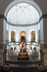 Gustav Vasa, helfigur och detaljer av staty i Stora hallen p
